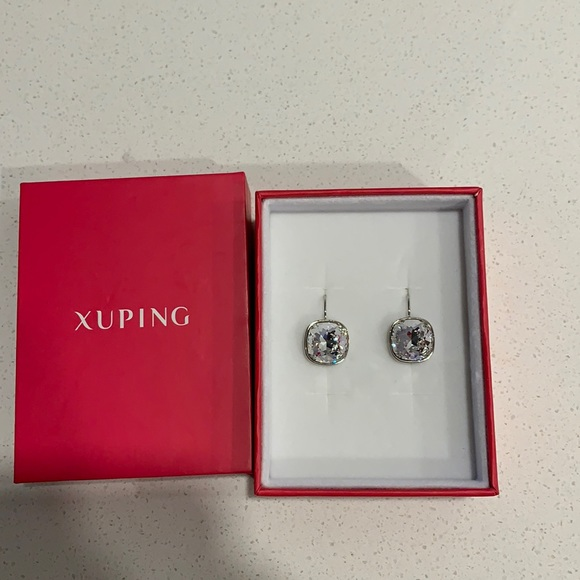 FASHION JEWLERY   Earrings NWT
